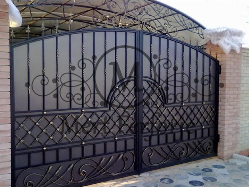 Ferforje Garaj Kapıları