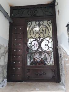 ismail bey - demir posta kutulu apartman giriş kapısı(1)